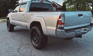 For sale 2009 Toyota Tacoma 4WDWheels Clean Carfax for Sale in San Francisco, CA