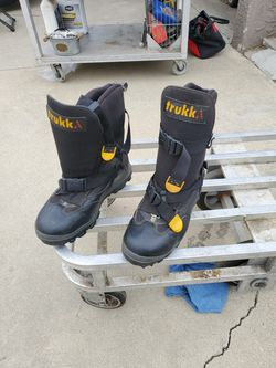 Snowmobile Boots Size 10 for Sale in Lakewood,  CA