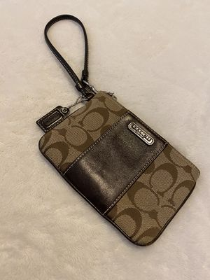 Coach wristlet for Sale in Secaucus, NJ