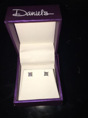 Diamond earrings for Sale in Fontana, CA