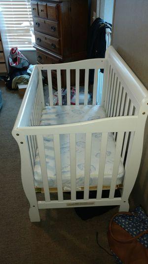Baby mini crib for Sale in Del Valle, TX