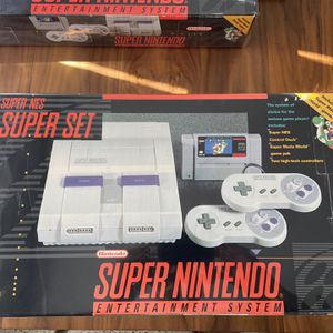Super Nintendo In Box Complete for Sale in Fort Lauderdale, FL