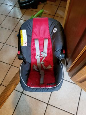 Car seat for Sale in Chicopee, MA