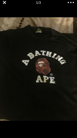 Bape red camo shirt ( large runs small) for Sale in Austin, TX