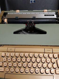 Smith Corona Typewriter for Sale in San Bernardino,  CA