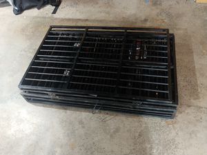 Fold up metal dog crate for Sale in Renton, WA
