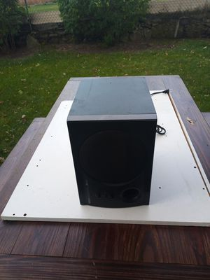 YAMAHA SUBWOOFER MODEL YST-SW20 120V 25WATTS 60Hz line 1 in/out line 2 L/R for Sale in Pawtucket, RI
