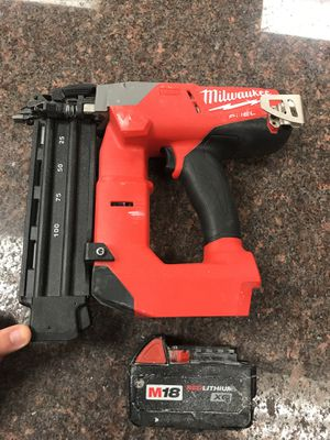 M18 FUEL 18ga Brad Nailer plus 1 m18XC battery and charger and tool bag brushless fuel nailer nail gun for Sale in Austin, TX