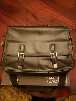 Kenneth Cole Leather Carryon Bag Portfolio for Sale in Arlington, TX