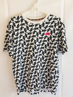 Nike Sportswear NSW T-shirt Digial Air Camo W/ Pink Air Patch. for Sale in Cockeysville, MD