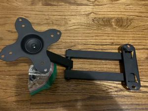 TV wall mount for Sale in Raleigh, NC