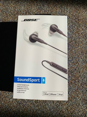 BOSE Soundsport headphones with phone mic and controls. Great for gym! for Sale in Valencia, CA