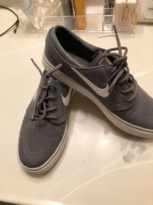 Tenis for Sale in Victorville, CA