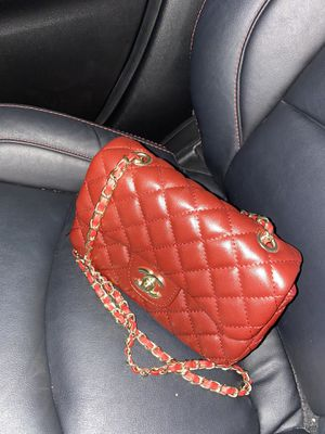 Classic mini flap bag CC burgundy for Sale in Westminster, CA