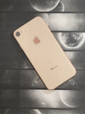 IPHONE 8 64gb unlocked for Sale in Everett, MA