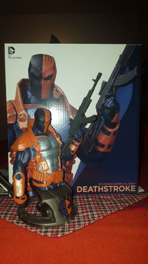 DC collectible statue, Deathstroke bust for Sale in Miami, FL