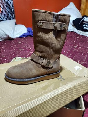 Ugg boots size 6 for Sale in East Los Angeles, CA