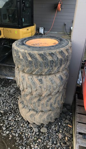 Tire for Sale in Woodburn, OR