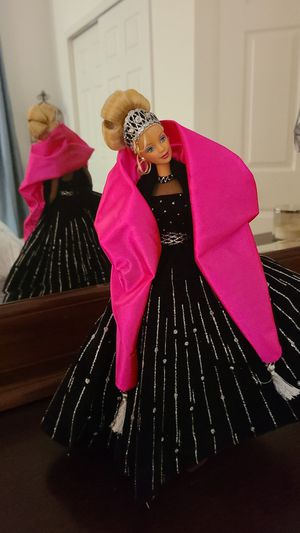Holiday Barbie 1998 out-of-box for Sale in Ocoee, FL