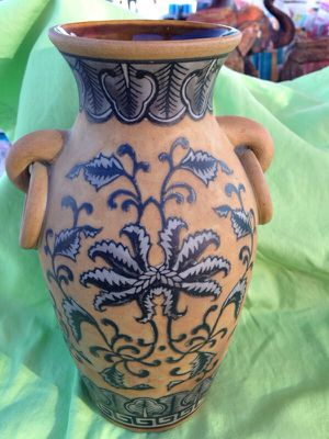 Beautiful decorative vase. $ 28 for Sale in Mesa, AZ