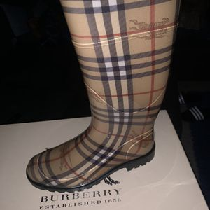 Burberry Rain Boots-size 8 for Sale in Cherry Hill, NJ