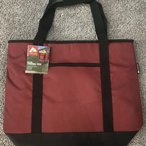 Ozark Trail 50 Can Cooler Bag for Sale in Yukon, OK