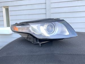 2012-17/LAND RANGE ROVER RIGHT FRONT HEADLIGHT for Sale in Seattle, WA