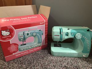 Sew Pretty Sewing Machine by Janome. for Sale in Williamsville, NY