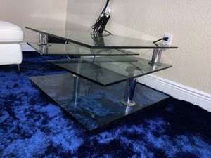 Square clear silver coffee table for Sale in Hialeah, FL