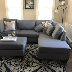 """New grey linen sofa sectional with ottoman reversible 104""""x75"""" for Sale in Boca Raton, FL"""