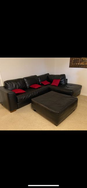 Sectional couches, black leather, good conditions for Sale in Miami Gardens, FL