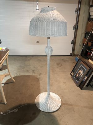 Floor lamp—white wicker for Sale in Bloomsburg, PA
