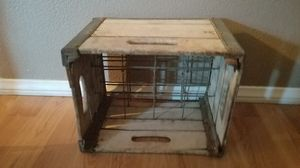 Antique Vtge wood/metal case for 12 milk bottles for Sale in Las Vegas, NV