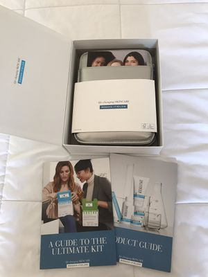 Rodan&Fields Marketing Kit w/Binder FREE for Sale in Lockport, IL