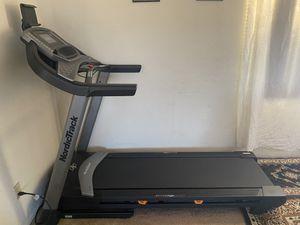 NordicTrack C 1070 Treadmill for Sale in Montebello, CA