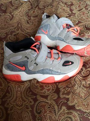 Nike air shoes for Sale in Nashville, TN