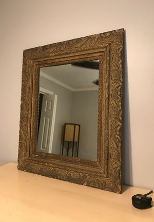 Antique gilded mirror for Sale in Mableton, GA