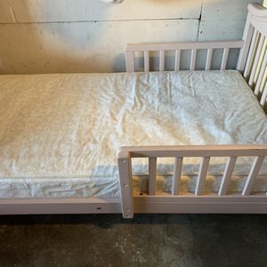 Toddler Bed (Free) for Sale in Richmond, CA