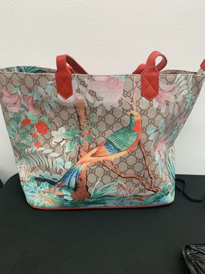 GUCCI lLARGE TOTE BAG for Sale in Wayne, PA