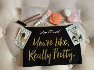 Too Faced Mini Makeup Travel Set for Sale in Apple Valley, CA