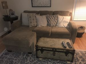 Queen sized pull out couch for Sale in Fairfax, VA