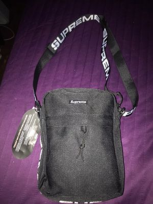 Black supreme side bags for Sale in Hayward, CA