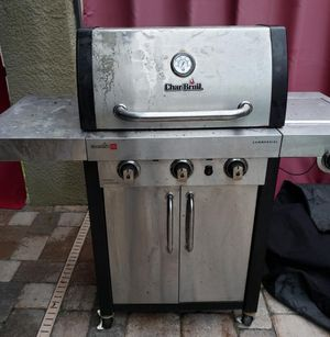 Scrap metal grill, doesn't work and inside is rotted but whoever what's the metal it's out by the curb come get it free for Sale in Land O Lakes, FL