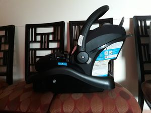 Safety first carseat with base for Sale in Boynton Beach, FL