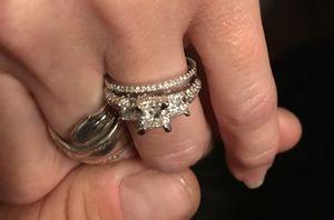 Brand new 1 karat diamond ring set paid $5800 for it for Sale in Twin Falls, ID