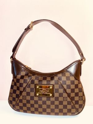 LOUIS VUITTON THAMES SHOULDER BAG for Sale in San Francisco, CA