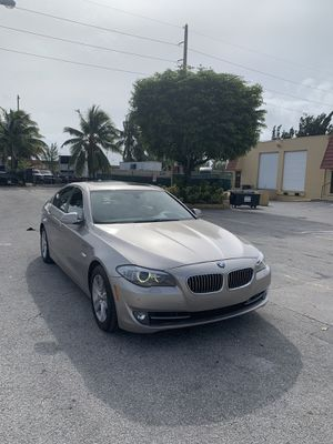 2013 bmw 528i, twin turbo, runs and drives great, clean interior for Sale in Miami, FL