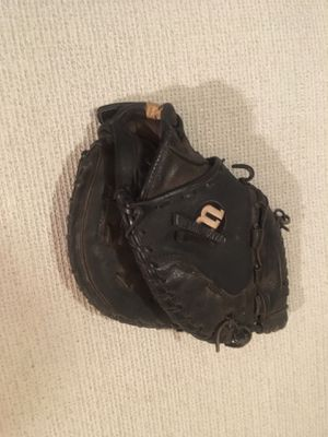 Softball catchers glove for Sale in Indianapolis, IN
