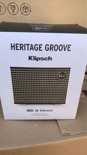 KLIPSCH HERITAGE GROOVE Portable speaker Bluetooth for Sale in Stanton, CA