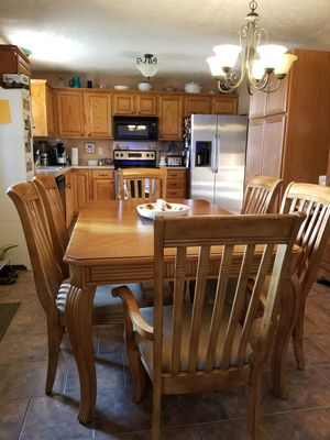 Dining Table And Chairs For Sale In Battlefield MO